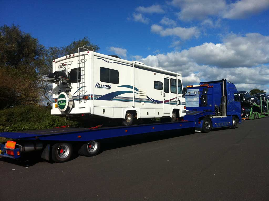 Large motorhome recovery on trailer