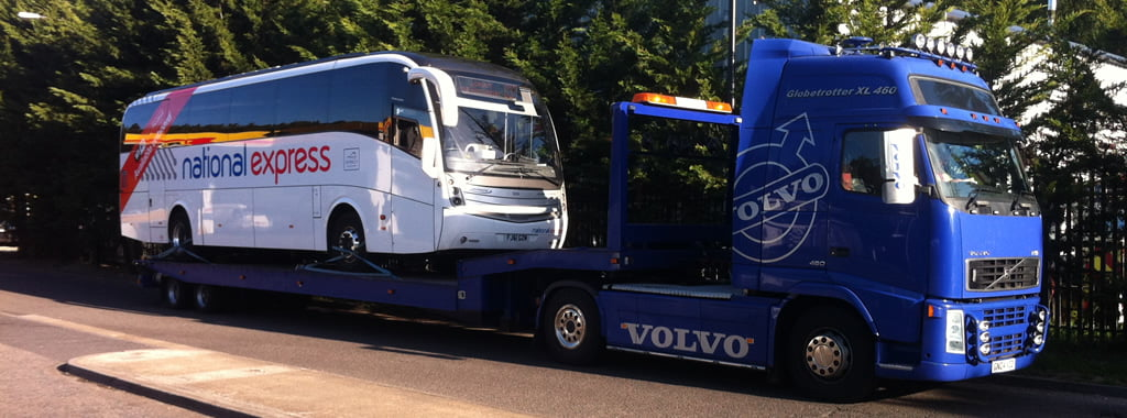 Coach recovery with sliding axle trailer and Volvo tractor unit